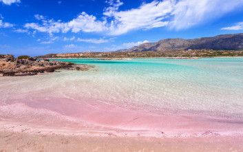 Οι οκτώ καλύτερες παραλίες της Κρήτης σύμφωνα με τη βρετανική Mirror