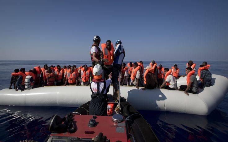 Το μεταναστευτικό, η διχασμένη Ευρώπη και η… σωτηρία της Μέρκελ