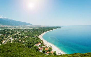 Η απέραντη παραλία του Πλαταμώνα