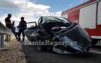Από θαύμα γλύτωσαν δύο γυναίκες σε σοβαρό τροχαίο στη Λαμίας-Αθηνών