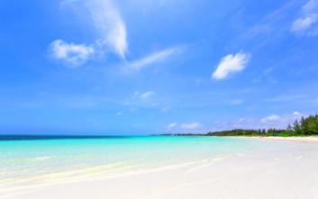 Εξωτικές παραλίες με ολόλευκες αμμουδιές στις Μπαχάμες