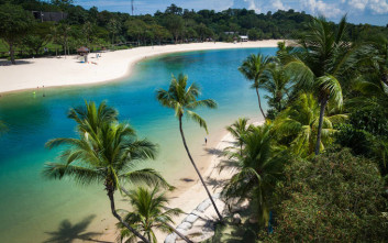 Το νησί με τις τεχνητές παραλίες