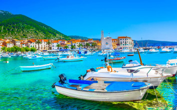 Δαντελωτές ακτές και γαλαζοπράσινα νερά στην Κροατία
