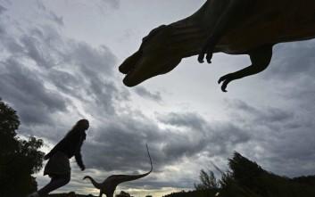 Ο τρομερός Τυραννόσαυρος δεν μπορούσε να... βγάλει γλώσσα