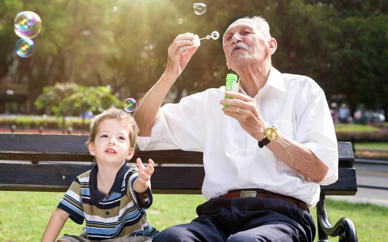 Πράγματα που έκαναν οι παππούδες μας χαλαρά και σήμερα θεωρούνται… απαγορευτικά