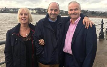 Βιολογικοί γονείς έψαξαν τον γιο τους έπειτα από 45 χρόνια για… καλό λόγο