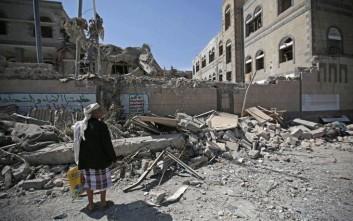 Μεγάλη επιχείρηση σε εξέλιξη στην Υεμένη, βομβαρδίστηκε λιμάνι