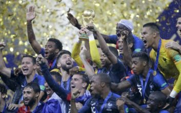 Με ηχηρές απουσίες η ενδεκάδα της FIFA για το Μουντιάλ