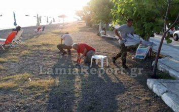 Συνεχίζεται η επιχείρηση απομάκρυνσης ομπρελών και καρεκλών στις παραλίες της Φθιώτιδας