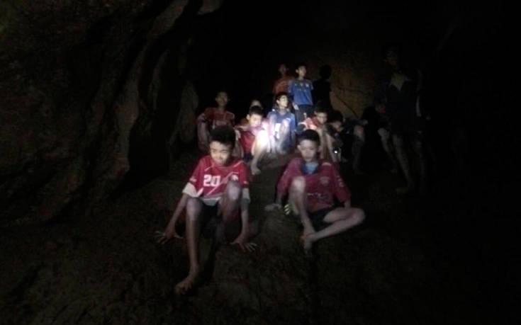 Οι «Αγριόχοιροι» θρηνούν τον εθελοντή δύτη που πέθανε προσπαθώντας να τους σώσει