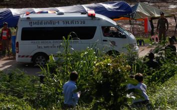 Ακόμη ένα παιδί απεγκλωβίστηκε από το σπήλαιο