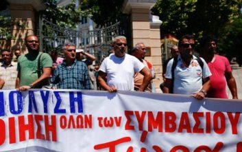 Ολονύχτια κινητοποίηση των συμβασιούχων του δήμου Θεσσαλονίκης
