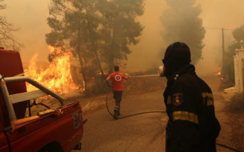 Συναγερμός στην Πυροσβεστική, τριάντα δύο πυρκαγιές από το πρωί