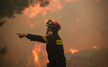 Χαλκιδική: Σε εξέλιξη πυρκαγιά στη Μεταμόρφωση