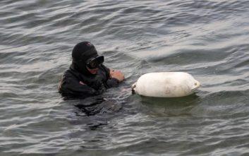 Καρέ-καρέ οι έρευνες στη θάλασσα στη Ραφήνα