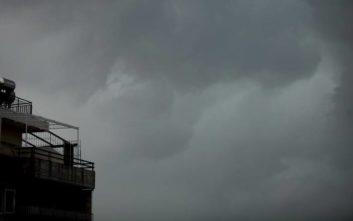 Αλλάζει ο καιρός με πτώση της θερμοκρασίας, βροχές και καταιγίδες