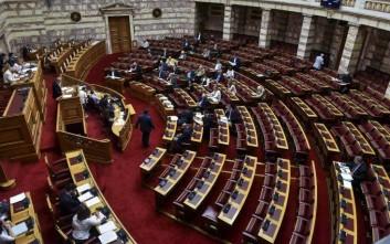 Υψηλοί τόνοι στη Βουλή: «Είναι το ψήφισμα και το ξεψήφισμα σε όλο το μεγαλείο του»