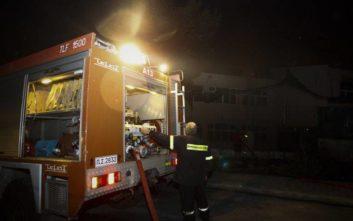 Φωτιά σε διαμέρισμα στην Πάτρα, φόβοι για εγκλωβισμένο