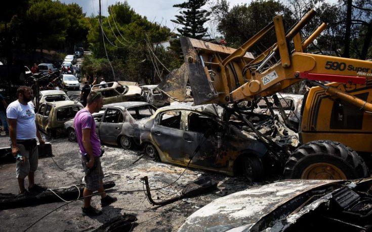 Εικόνες ολικής καταστροφής στις πυρκαγιές της Αττικής