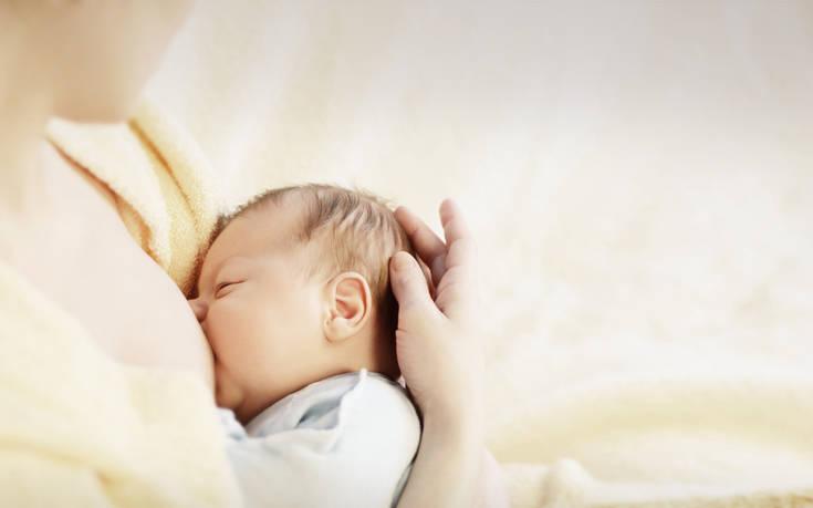 Ο κορονοϊός δεν συνδέεται με το μητρικό γάλα λέει ο Παγκόσμιος Οργανισμός Υγείας