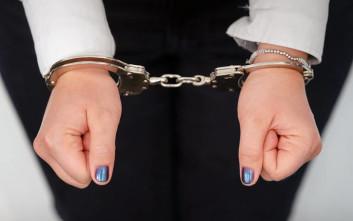 Τραπεζική υπάλληλος συνελήφθη για υπεξαίρεση χρημάτων