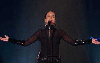 Η Σαντέ επιστρέφει με νέο άλμπουμ