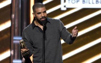 Ο Drake σπάει ένα μεγάλο ρεκόρ των Beatles