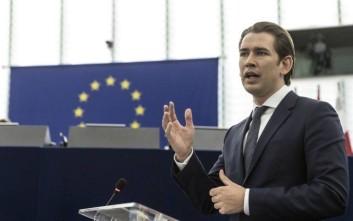 Στο Παρίσι σήμερα ο Αυστριακός καγκελάριος για συνάντηση με τον Μακρόν