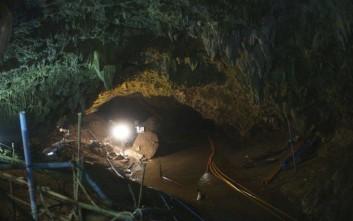 Τα σχέδια για την απομάκρυνση των παιδιών από το σπήλαιο στην Ταϊλάνδη