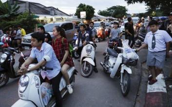 Γιορτάζει ολόκληρη η Ταϊλάνδη για τη διάσωση των μικρών ποδοσφαιριστών
