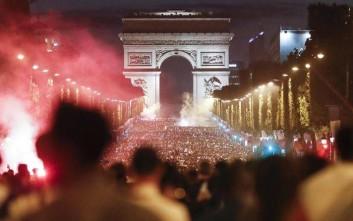 Ένας... στρατός στους γαλλικούς δρόμους αυτό το Σαββατοκύριακο