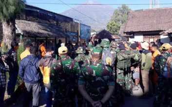 Ο σεισμός των 6,4 Ρίχτερ απομάκρυνε 500 ορειβάτες από ηφαίστειο της Ινδονησίας