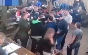 Αρχιμαφιόζος γιόρταζε την αποφυλάκισή του και τον εκτέλεσαν εν ψυχρώ μέσα σε μπαρ