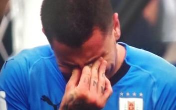 Ο αμυντικός της Ουρουγουάης που έβαλε τα κλάματα πριν λήξει το ματς
