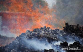 Συνεχίζεται η προσπάθεια κατάσβεσης της φωτιάς στο Μενίδι
