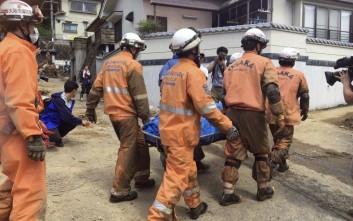 Οι νεκροί έφτασαν τους 100 από τις φονικές καταιγίδες στην Ιαπωνία