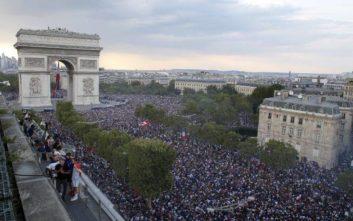 Επεισόδια και ταραχές στη Γαλλία στους πανηγυρισμούς για την κατάκτηση του Μουντιάλ