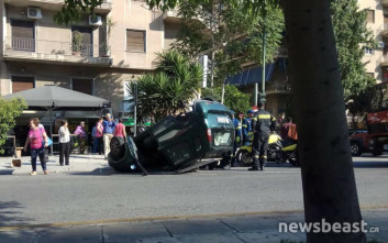 Αυτοκίνητο ανατράπηκε το πρωί στη Μιχαλακοπούλου
