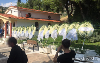Βουβός πόνος στην κηδεία του 15χρονου στην Αργυρούπολη