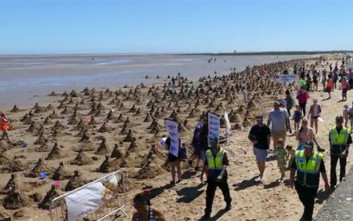 Εκατοντάδες κάστρα στην άμμο για ένα παγκόσμιο ρεκόρ