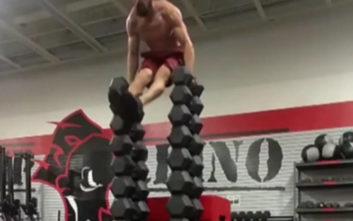 Ανάποδα push-ups από τον γκουρού της ισορροπίας