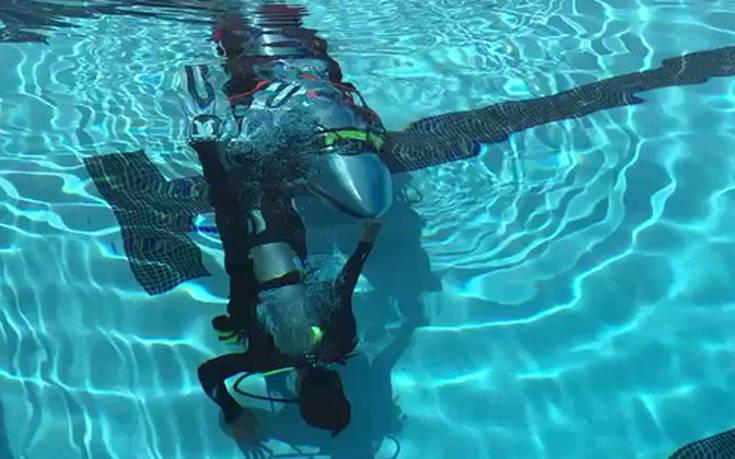 Ο δισεκατομμυριούχος Έλον Μασκ έφτιαξε μίνι υποβρύχιο για τα παιδιά στην Ταϊλάνδη