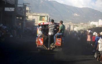 Οι βίαιες διαδηλώσεις για τα καύσιμα έφεραν παραίτηση στην Αϊτή