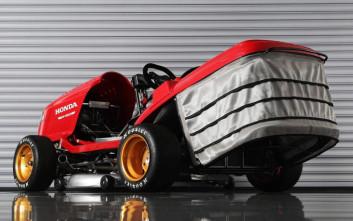 Η μηχανή του γκαζόν που μπήκε στο ρεκόρ Guinness για την τελική της ταχύτητα