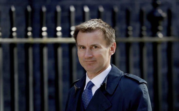 Συνομιλίες με σοβαρότητα για το Brexit ζητεί από την ΕΕ ο Βρετανός ΥΠΕΞ