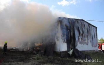 Η φωτιά στο Μενίδι πήγε και σε αποθήκη με εύφλεκτα υλικά