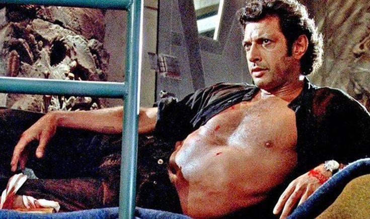Ένα άγαλμα του Γκόλντμπλουμ για τα γενέθλια του Jurassic Park