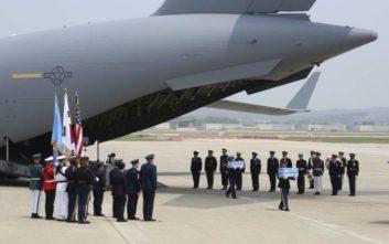 Επαναπατρίζονται σοροί Αμερικανών στρατιωτών από τη Βόρεια Κορέα