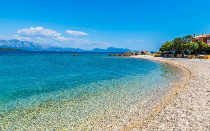 Η γραφική Νικιάνα με τις όμορφες παραλίες
