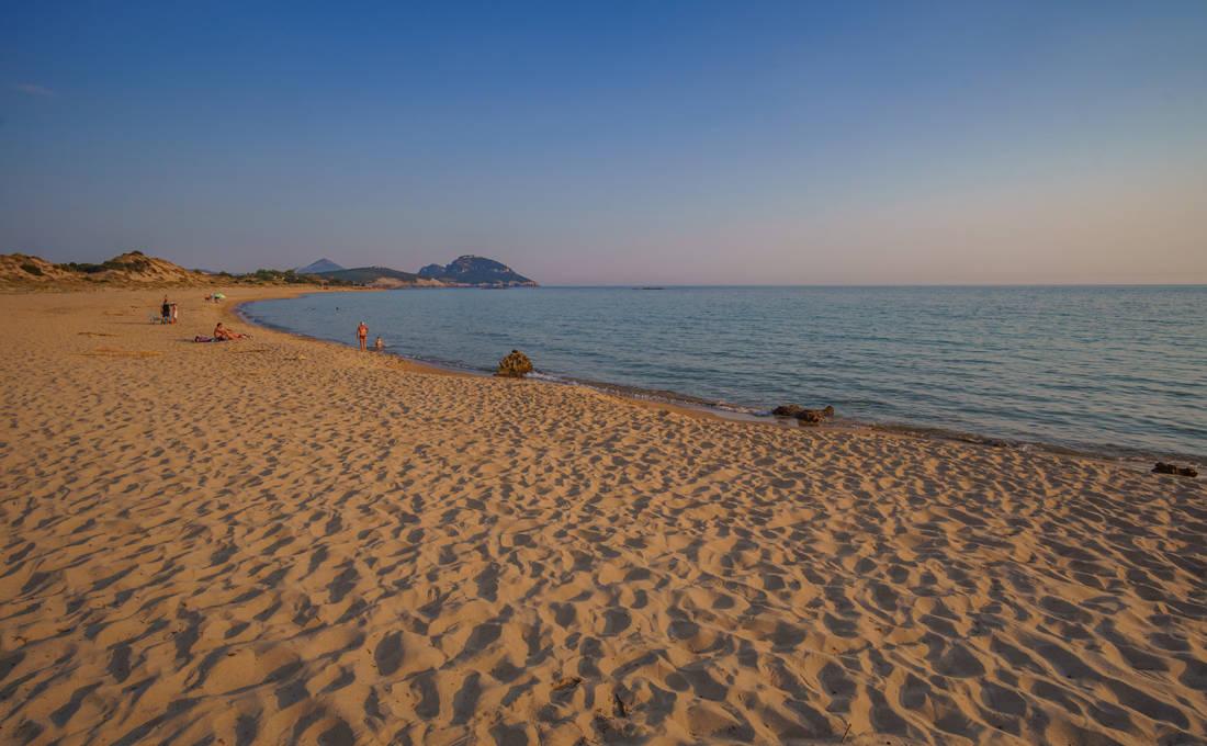 Η υπέροχη αμμουδιά του Ρωμανού στη Μεσσηνία